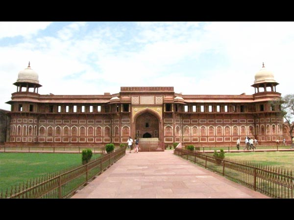 Best Time To Visit Agra Fort