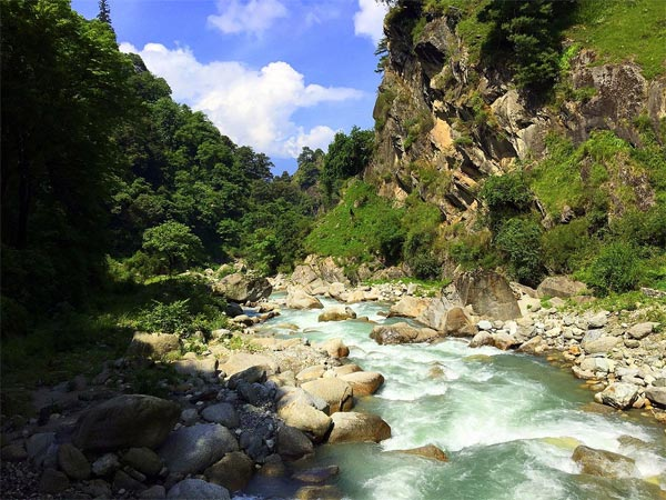 READ MORE ABOUT TIRTHAN VALLEY