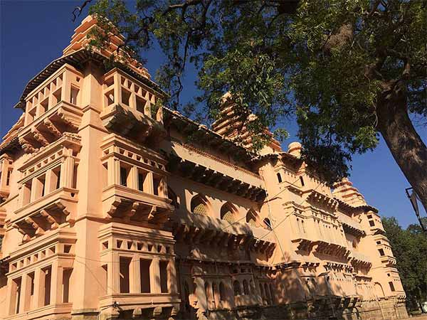 2) Chandragiri Fort
