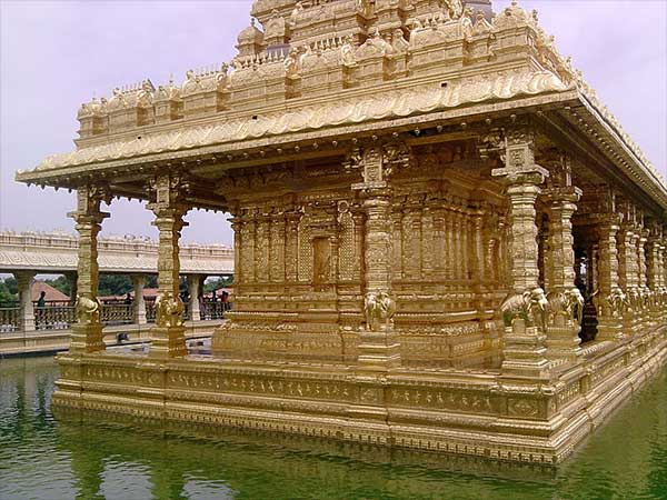 3) Srilakshmi Golden Temple