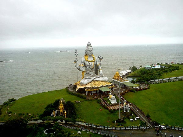2) Statue Of Lord Shiva