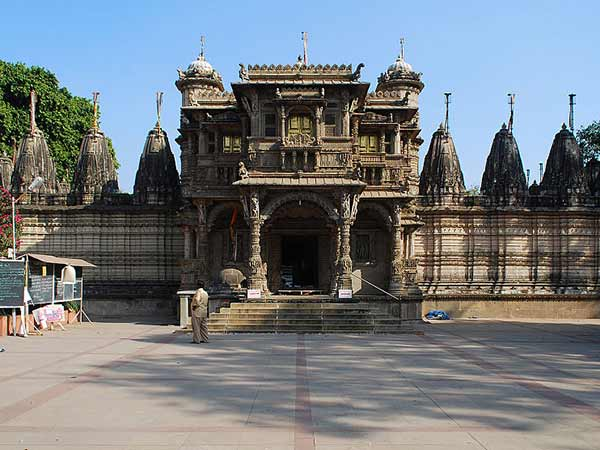 The History Of Hutheesing Jain Temple