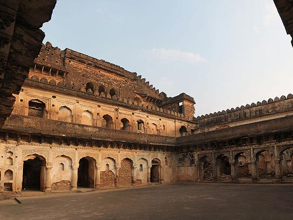 A Little Bit Of History About Kalinjar Fort