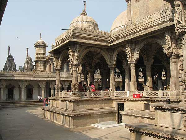 Best Time To Visit Hutheesing Jain Temple