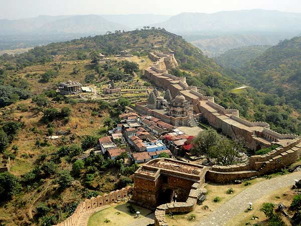 <strong>READ MORE ABOUT KUMBHALGARH </strong>