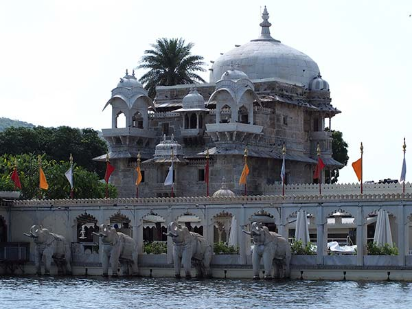Parks And Temples In Udaipur