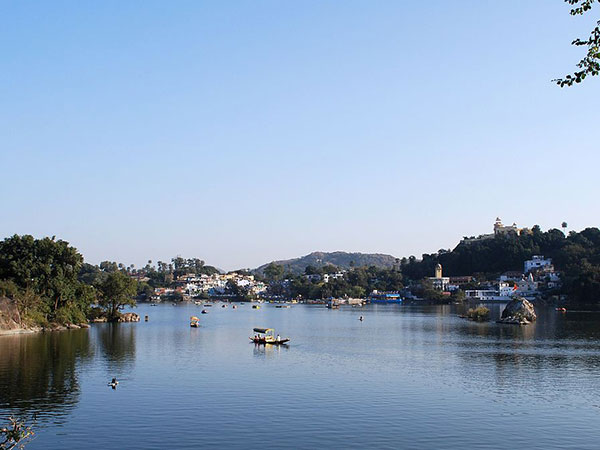 <strong>READ MORE ABOUT MOUNT ABU </strong>