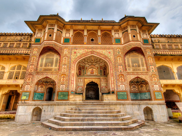 2. Explore The Ruins Of Amer Fort