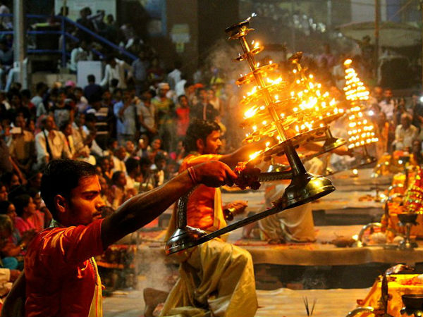 Watch The Beautiful Ganga Aarti