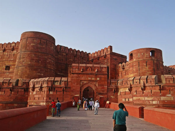 1) Agra Fort Was Not Built By Shah Jahan