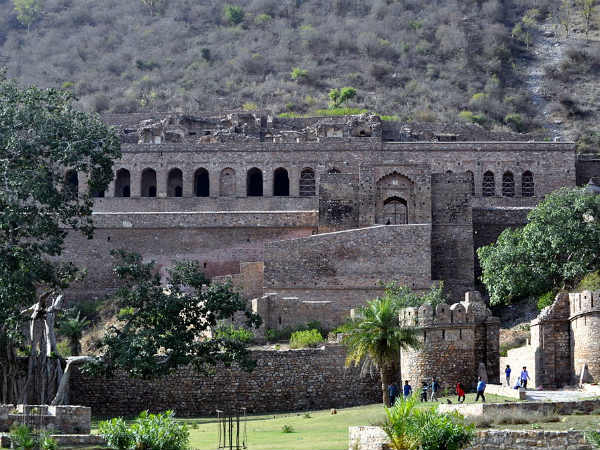 6) Challenge Yourself At Bhangarh