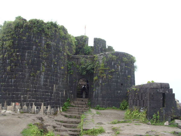 The History And Surroundings Of Purandar Fort