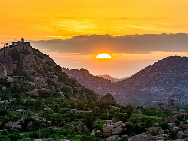 READ MORE ABOUT HAMPI