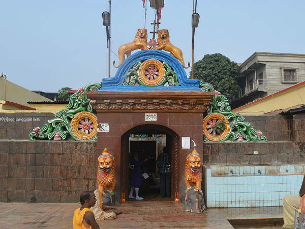 1) Cuttack Chandi Temple