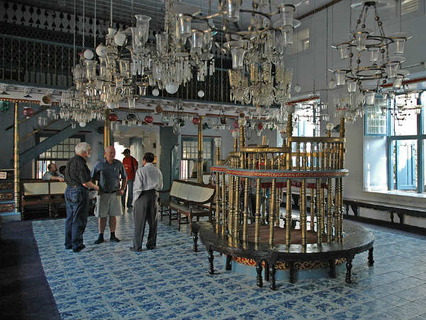 3) Paradesi Synagogue