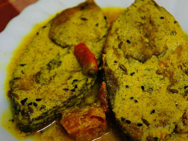 4. Ilish Machcher Jhol