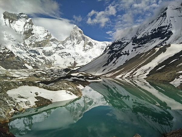 3. Go trekking up the rolling hills to see Kedar Lake