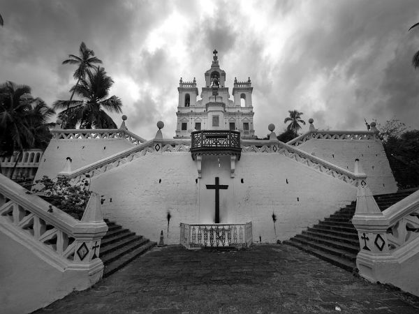 1. Explore the old charm of Goa