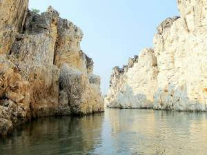Exploring the Marble Rocks at Bhedaghat!