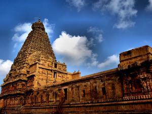 Scenic Vistas The Brihadeshwara Temple 001116 Pg