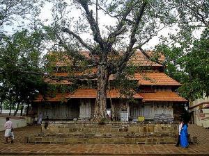 10 Popular Temples in Kerala