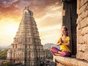 Places Solo Women Travellers In Karnataka