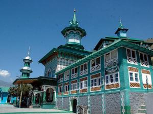 Famous Muslim Shrines In Bollywood Movies