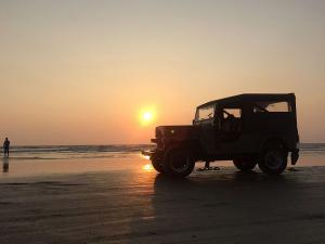 Things To Do In Muzhappilangad Beach