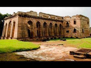 Hindola Mahal In Mandu Madhya Pradesh