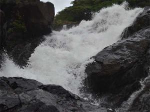Exhilarating Hike To Dudhsagar Waterfalls