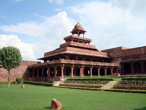 Top Places To Visit In Fatehpur Sikri
