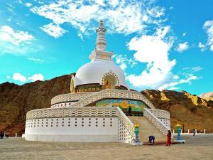 Shanti Stupa The Symbol Of Peace And Prosperity