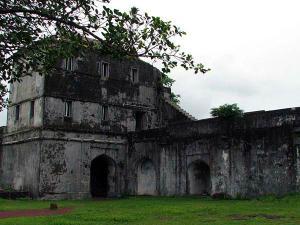 Visit The Less Explored Jaigad Fort Of Ratnagiri