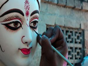 Watch The Idols Of Durga Come To Life At Kumortuli