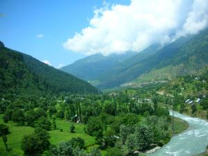 Experience Heaven On Earth At Chatpal An Enchanting Offbeat Town At Jammu And Kashmir