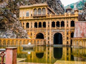 Visit The Glorious Galtaji Temple At Jaipur
