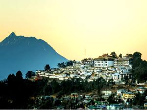 Visit Tawang Monastery The Largest Buddhist Monastery In India