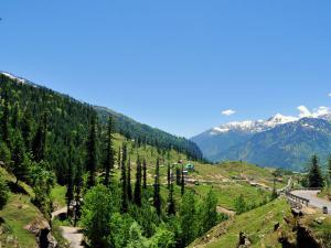 Beautiful Honeymoon Destinations In The Himalayas