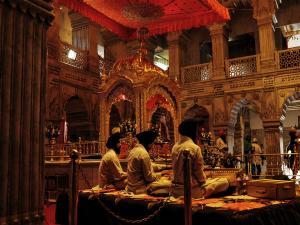 This Guru Nanak Jayanti Visit Some Of The Most Well Known Gurudwaras In India