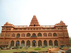 Chennai To Chandragiri Walk Through The Lanes Of History