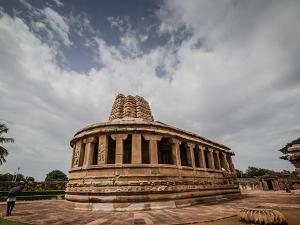 Visit These Oldest Temples In Karnataka To Fathom Their Incredible Beauty