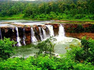 Visit These Beautiful Waterfalls In Gujarat