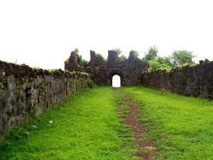 Get To Know Everything About Korlai Fort