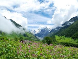 Phenomenally Beautiful Places In Uttarakhand To Enjoy
