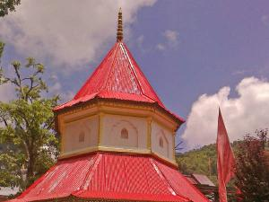 Explore These Serene Spiritual Temples In Nainital This Season