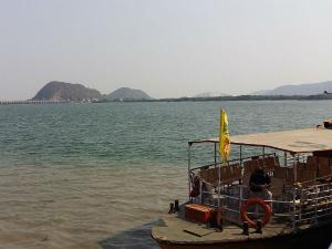 Hyderabad Vijayawada Travel Guide Attractions How Reach