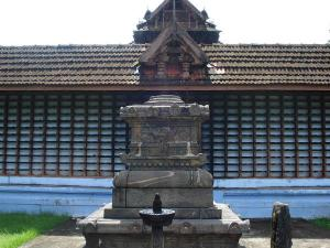 Peruvanam Mahadeva Temple Kerala Travel Guide Timings How To Reach