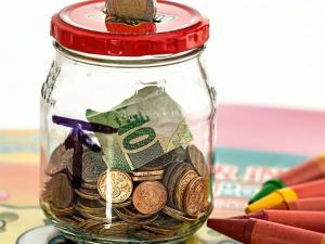 Ways Save Money While Travelling