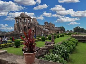 Haathi Mahal Mandu History Timings And How To Reach