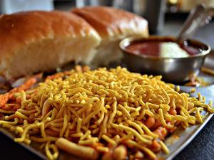 Food Places In Mumbai